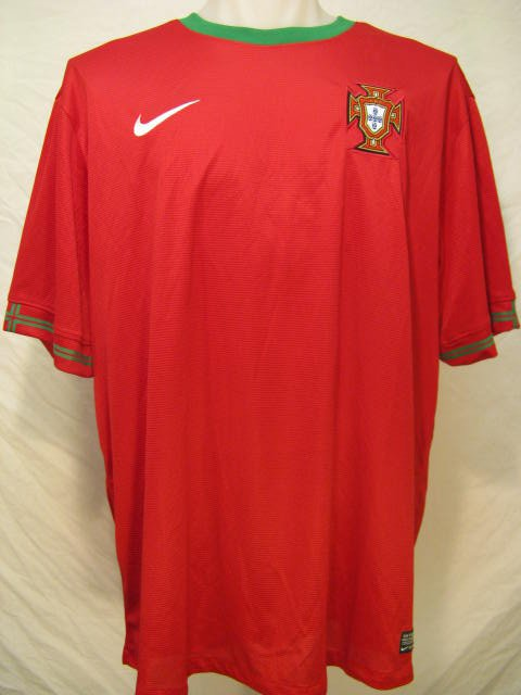 Portugal Nike Dri-Fit Men's XL Red Soccer Jersey