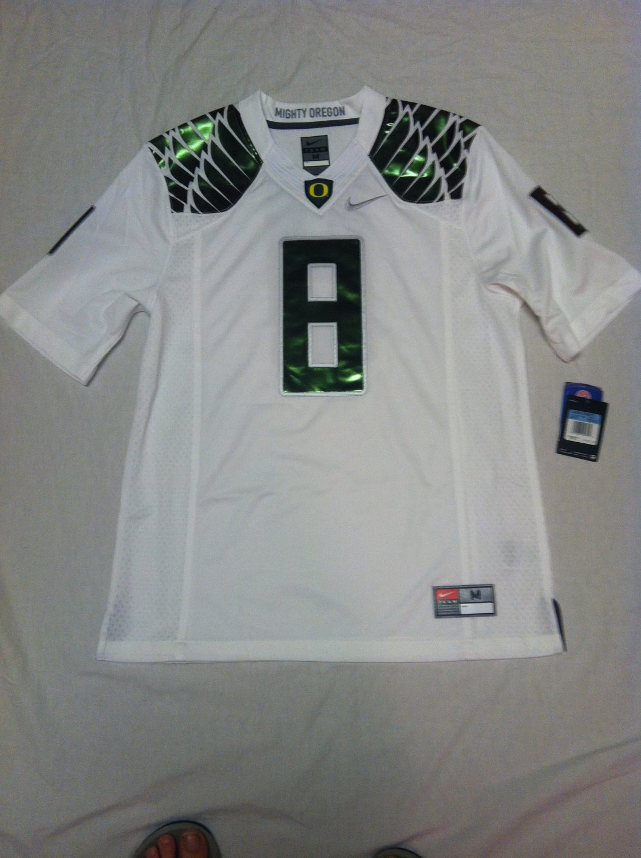 Oregon Ducks White Medium #8 (Marcus Mariota) Nike Limited Jersey