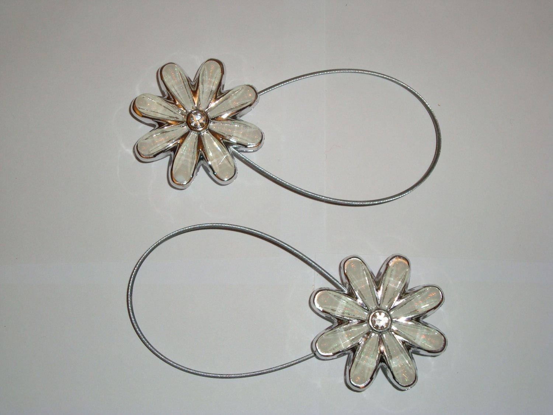 Flower Pearl Crystal Magnetic Tiebacks Curtain Buckle Europe Set of 2