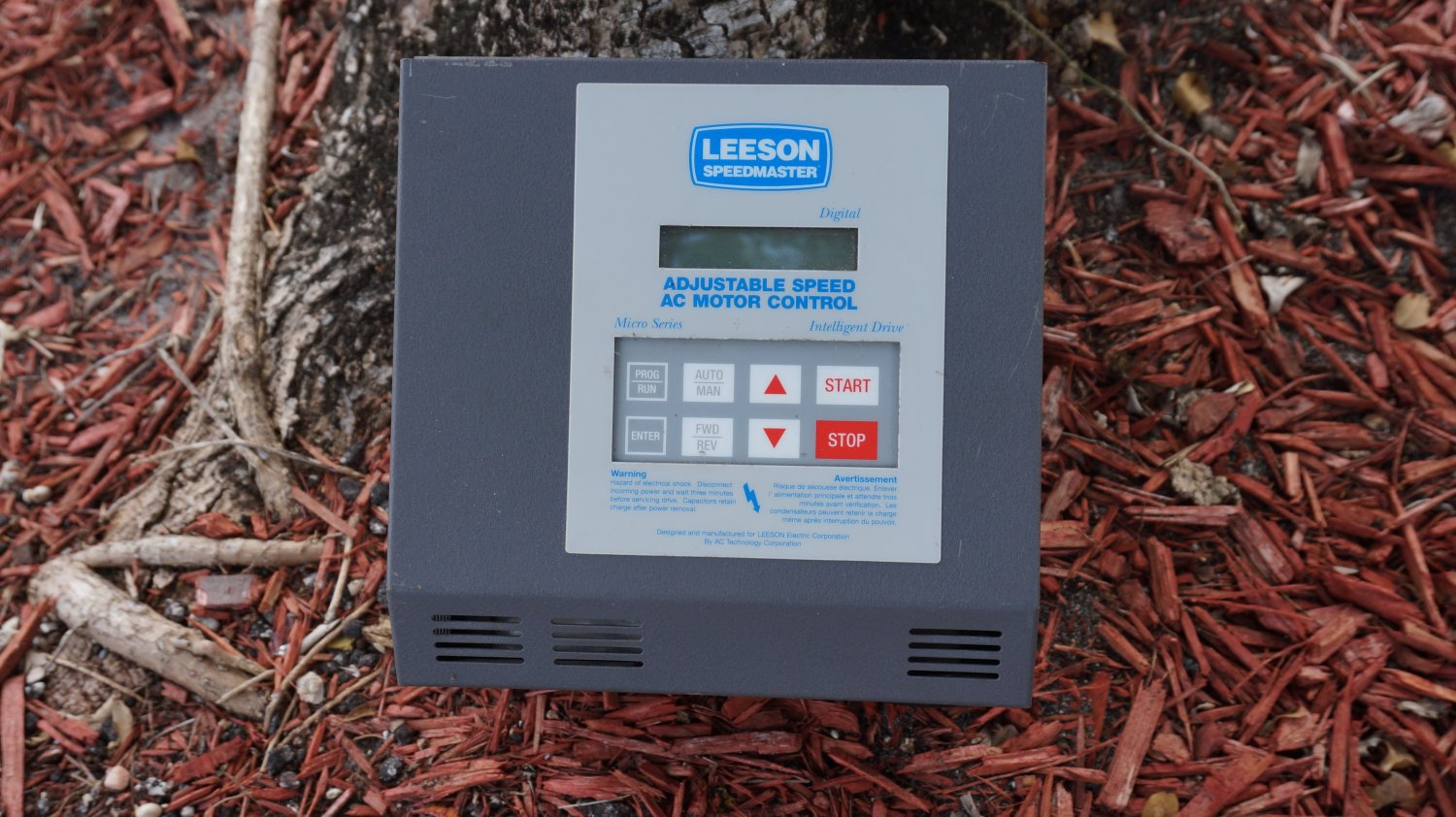 LEESON SPEEDMASTER MICRO SERIES ADJUSTABLE SPEED AC MOTOR CONTROL 8/16