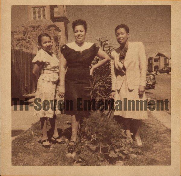 Vintage African American Photo Pretty Beautiful Women Posing Old Black Americana