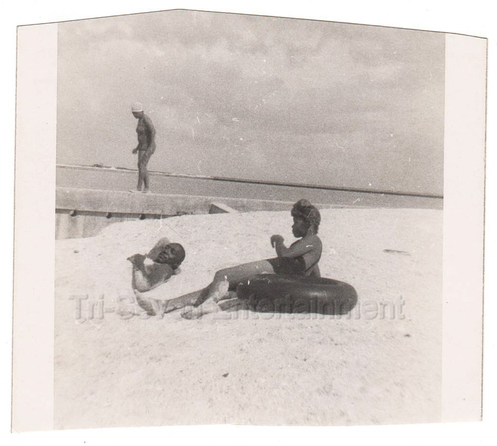 1950s-1960s Vintage African-American Couple Enjoy Day a/Beach Photo Black People