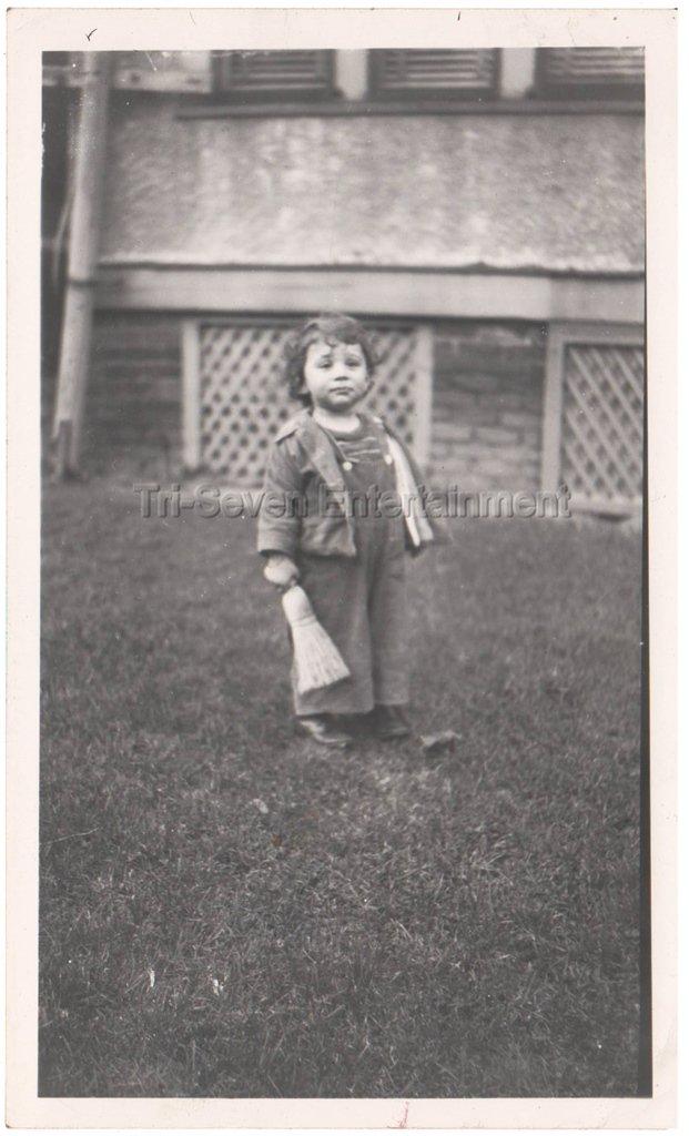 1940-1949 Vintage Sad Cute American Boy w/Small Broom Old Photo Children Kids US