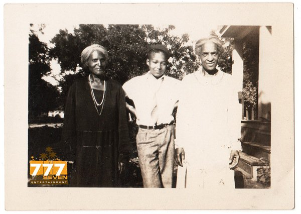 Antique African American Family Old Group Photo People Black Americana HS83