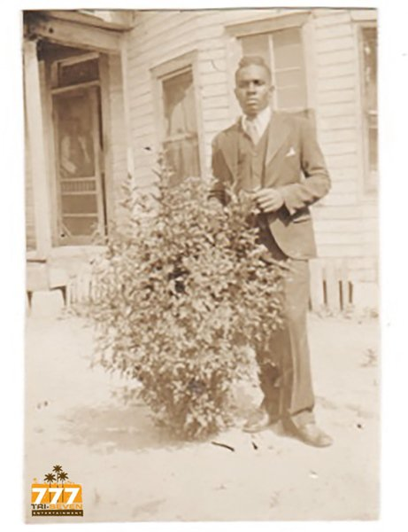 Antique African American Sharp Dressed Man Photo Old Black Americana V077