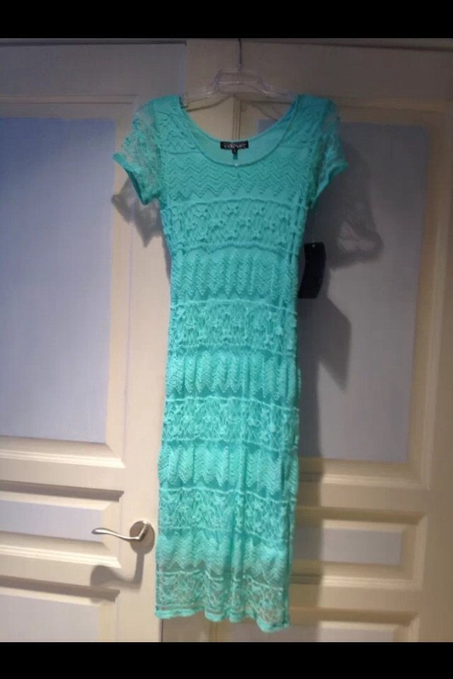 Exquisite Turquoise Short Sleeve Lace Dress Size Large By Almost Famous