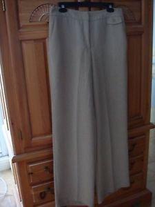 Women's Beige Soft Capris Size 6 By Tail