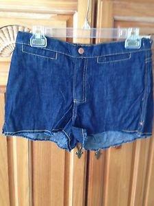 Women's Shorts Denim  By Quiksilver Roxy Size 1