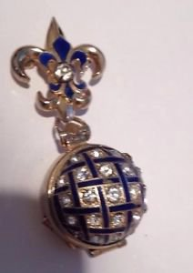 1940's Vintage Jewelry Locket The Opens Into Several Panels ^
