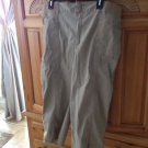 Womans Khaki Capri Shorts Size 18 By Gloria Vanderbilt