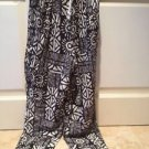 Womans geometric design Black And Cream Printed Pants Size Medium