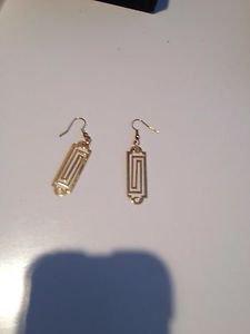 geometric design dangling pierced earrings