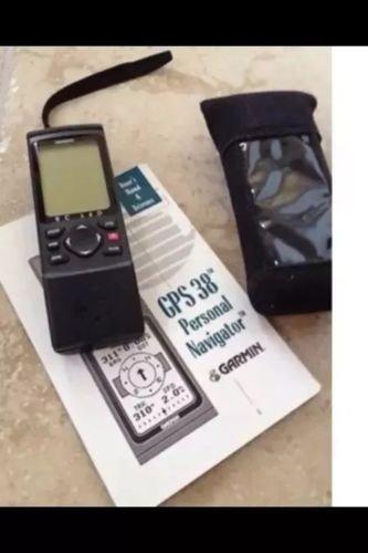 GPS 38 Garmin personal navigator with case & manual bundle beautiful condition