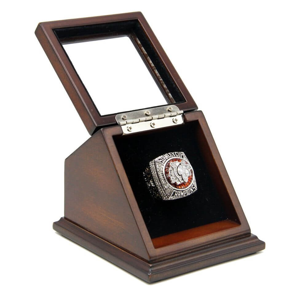 N.H.L 2013 Chicago Blackhawks Championship Replica Toews Fan Ring with Wooden display Case Size 11