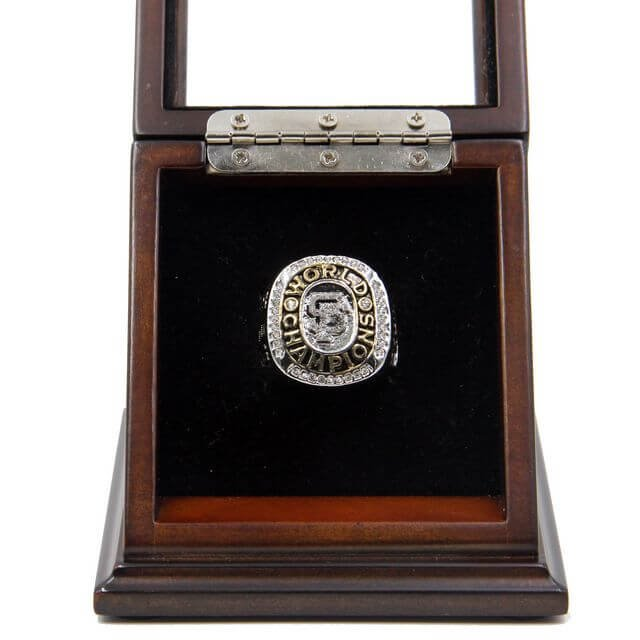 World Series 2010 San Francisco Giants Championship Ring with Wooden display Case Size 11 Bochy
