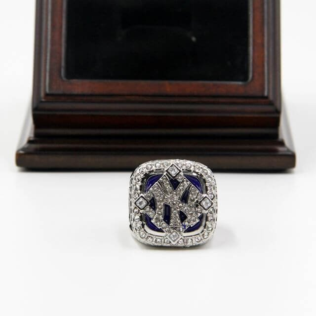 World Series 2009 NY Yankees Championship Steinbrenner Ring with Wooden display Case Box Size 11