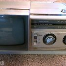 Vintage Samsung Black White Portable TV AM/FM Radio BT-123A BROKEN FOR PARTS