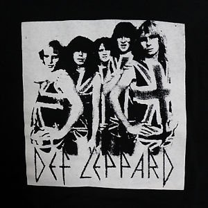 Def Leppard band ***MEDIUM*** screen printed t-shirt Black punk retro