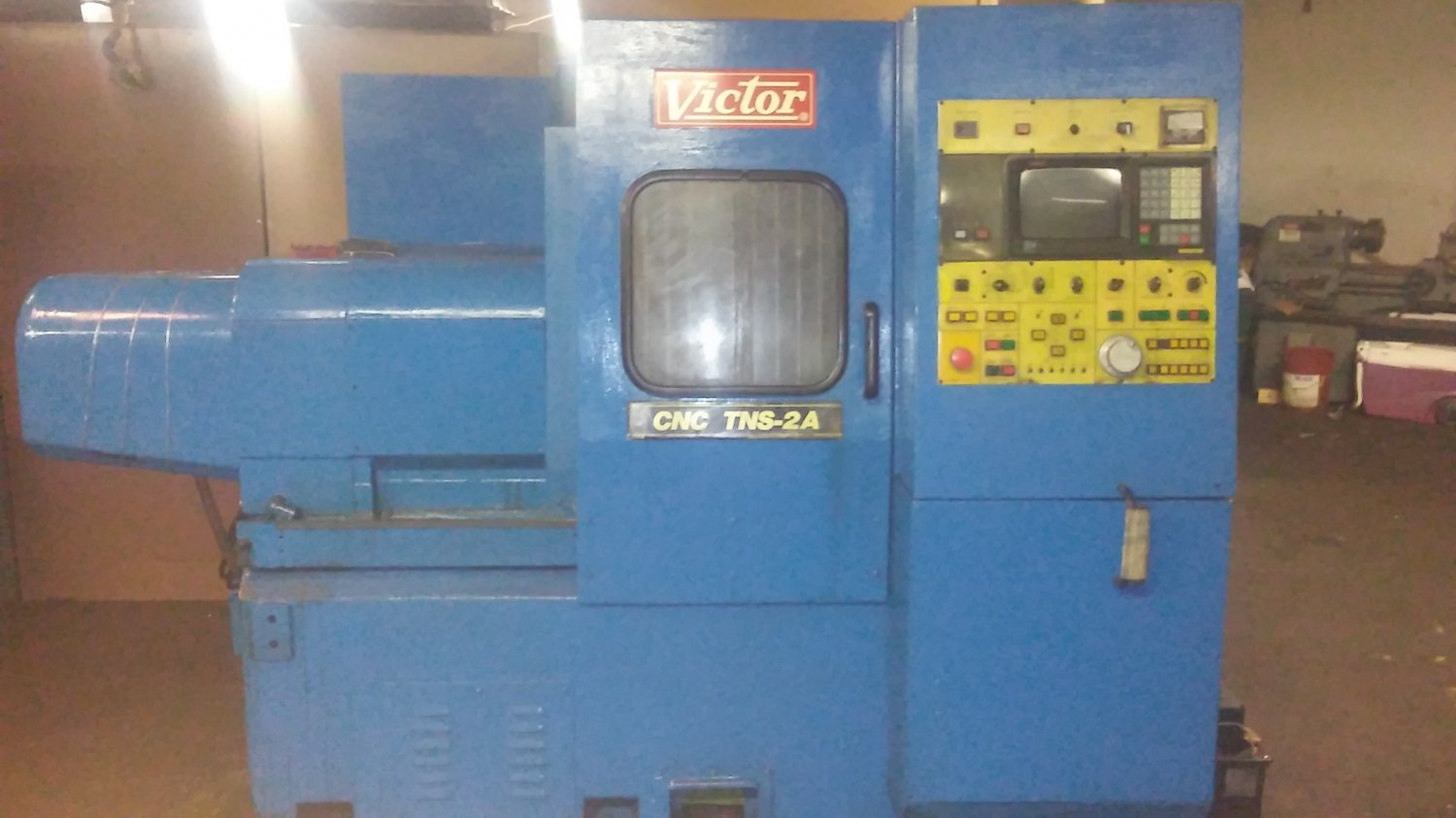 VICTOR CNC TURNING CENTER  TNS-2A 1992 FANUC T 10
