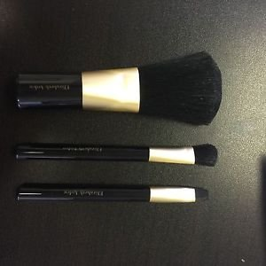 Elizabeth Arden 3-Pieces Make Up Brush Set