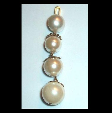 Vintage 3 Round and 1 Button White Pearls Yellow Gold Tone Dangle Pendant