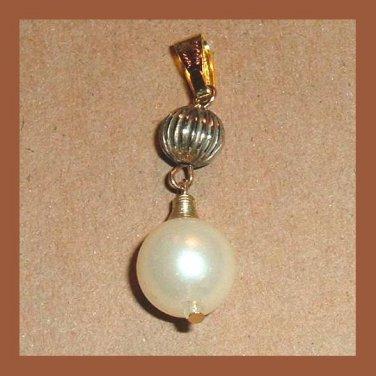 Vintage Round White Pearl & Yellow Gold Tone Ball Pendant