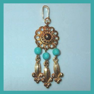 Vintage Turquoise Beads Round Yellow Gold Dangle Pendant