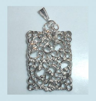 Elegant Rectangle Shaped Lattice Design Silver Pendant