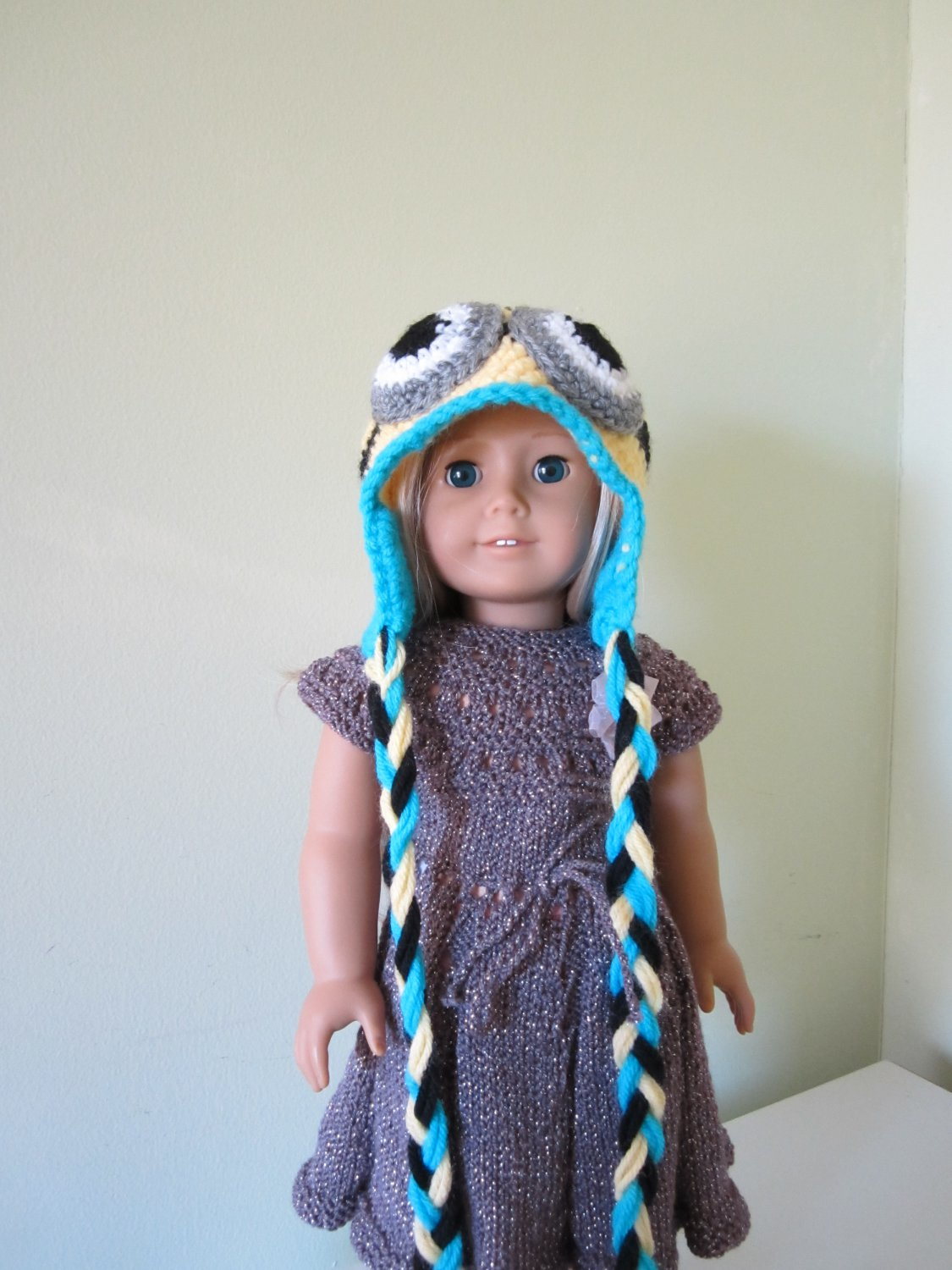 Crochet minion hat for American girl doll and Waldorf doll