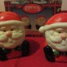 Sitting Santa's Salt & Pepper Shakers Christmas 1997 Magic Creations Item # 5935