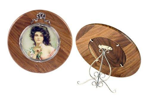 Round wooden photo frame