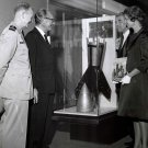 DR. WERNHER VON BRAUN AND WIFE MARIA LOOK AT DISPLAY - 8X10 NASA PHOTO (DA-263)