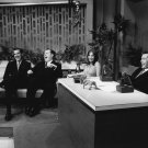 BARBRA STREISAND ON 'THE TONIGHT SHOW WITH JOHNNY CARSON' - 8X10 PHOTO (AA-051)