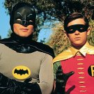 ADAM WEST (BATMAN) & BURT WARD (ROBIN) IN 'BATMAN' 8X10 PUBLICITY PHOTO (ZZ-196)