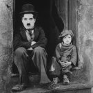 CHARLIE CHAPLIN AND JACKIE COOGAN IN 'THE KID' - 8X10 PUBLICITY PHOTO (BB-531)