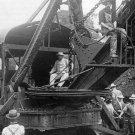 PRESIDENT THEODORE ROOSEVELT AT PANAMA CANAL CONSTRUCTION - 8X10 PHOTO (ZZ-205)