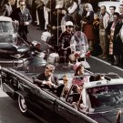 PRESIDENT JOHN F KENNEDY AND WIFE JACKIE IN DALLAS MOTORCADE 8X10 PHOTO (ZZ-127)