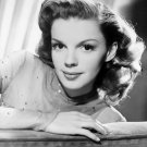 SINGER AND ACTRESS JUDY GARLAND - 8X10 PUBLICITY PHOTO (AA-000)