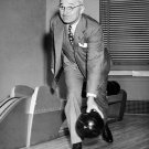 PRESIDENT HARRY TRUMAN OPENS THE WHITE HOUSE BOWLING ALLEY - 8X10 PHOTO (AA-036)