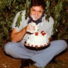 JOHNNY CASH CAKE PHOTO FOR BACK COVER OF 'STRAWBERRY CAKE' - 8X10 PHOTO (AA-851)