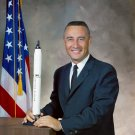 NASA ASTRONAUT GUS GRISSOM - 8X10 PHOTO (EP-698)