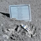 "PLAQUE & ""FALLEN ASTRONAUT"" LEFT ON MOON APOLLO 15 MISSION - 8X10 PHOTO (AA-934)"