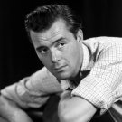 ENGLISH ACTOR AND WRITER DIRK BOGARDE- 8X10 PUBLICITY PHOTO (EE-065)