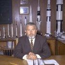 DR. WERNHER VON BRAUN WITH BEARD AT DESK AT MARSHALL- 8X10 NASA PHOTO (EP-544)