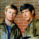 KEVIN TIGHE & RANDOLPH MANTOOTH IN 'EMERGENCY' - 8X10 PUBLICITY PHOTO (DA-471)