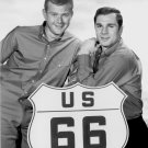 MARTIN MILNER AND GEORGE MAHARIS IN 'ROUTE 66' - 8X10 PUBLICITY PHOTO (DA-592)