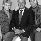 ADAM RICH, DICK VAN PATTEN & WILLIE AAMES IN 'EIGHT IS ENOUGH' - 8X10 PHOTO (DA-651)