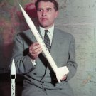 ROCKET DESIGNER  DR. WERNHER VON BRAUN - 8X10 NASA PHOTO (ZZ-161)