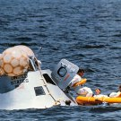 APOLLO 7 CREW PARTICIPATES IN WATER EGRESS TRAINING - 8X10 NASA PHOTO (BB-077)