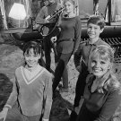 THE ROBINSON FAMILY FROM CBS TVs 'LOST IN SPACE' - 8X10 PUBLICITY PHOTO (DA-604)